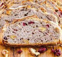 pain noix et canneberges